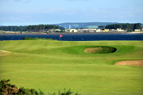ST ANDREWS, UNITED KINGDOM - AUGUST 29:  The green on the par 3, 11th hole on the Old Course at St Andrews on August 29, 2009 in St Andrews, Scotland  (Photo by David Cannon/Getty Images)